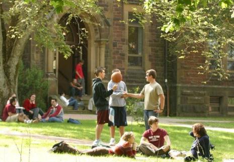 国际学生申请美国高校时常犯的3种错误-亿思科院校中心.png