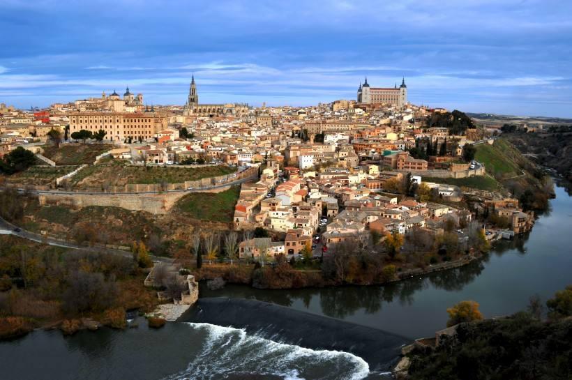 海外置业如何挑选国家?买房送身份的西班牙了解一下